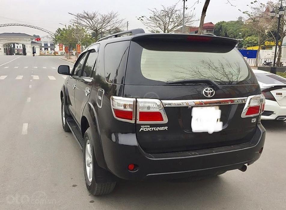 Cần bán lại xe Toyota Fortuner sản xuất năm 2009, màu đen, giá chỉ 415 triệu (2)