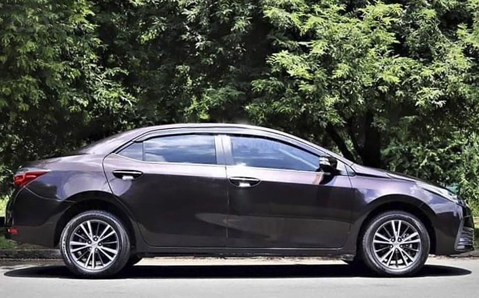 Bán Toyota Corolla Altis đời 2019, màu nâu chính chủ, giá tốt (4)
