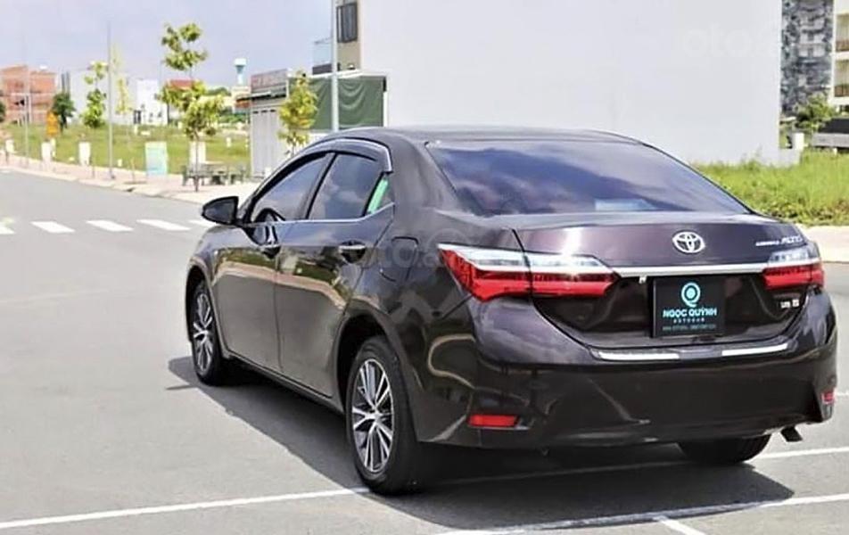 Bán Toyota Corolla Altis đời 2019, màu nâu chính chủ, giá tốt (3)