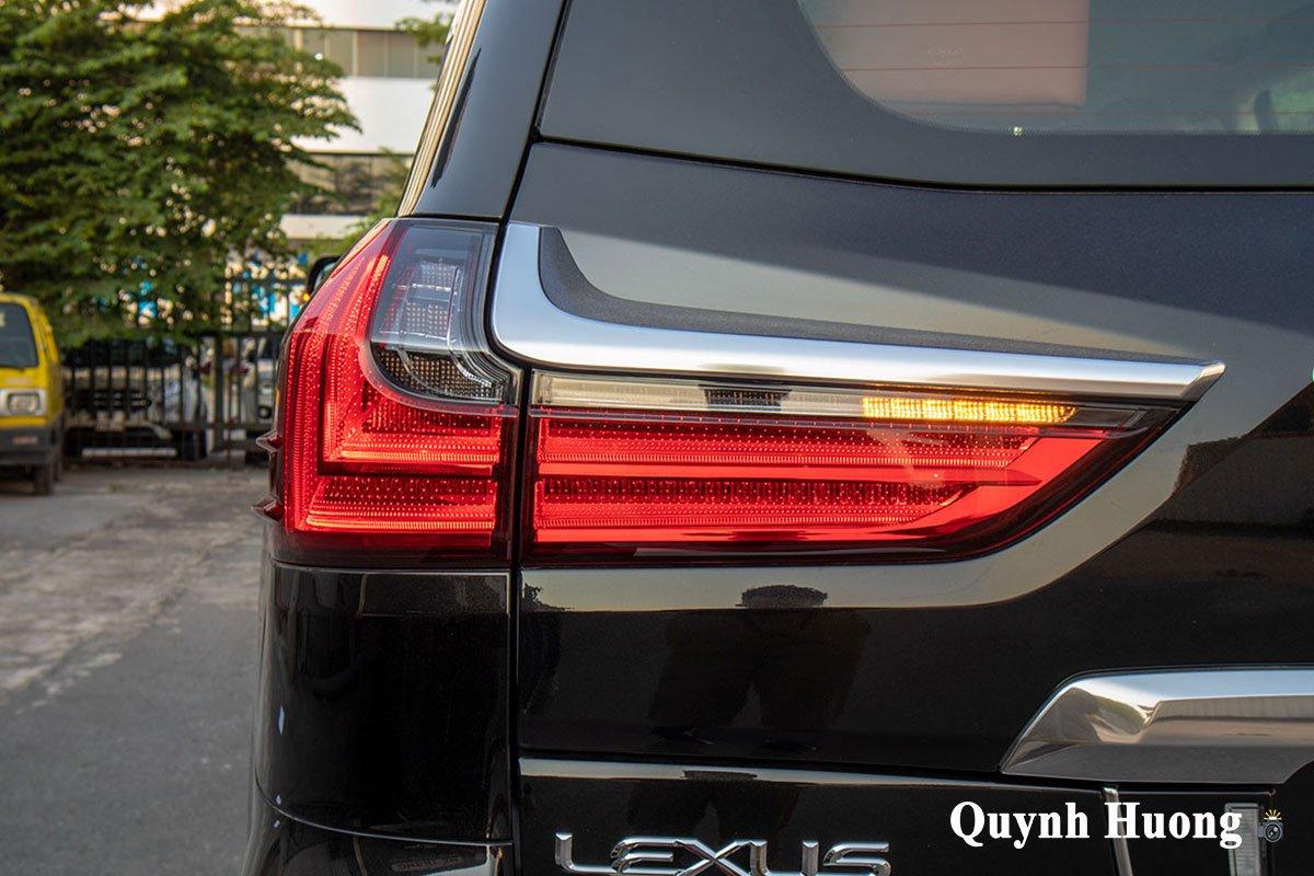 Lexus LX570 Super Sport 2021 đầu tiên cập bến Việt Nam với ngoại hình mới a6