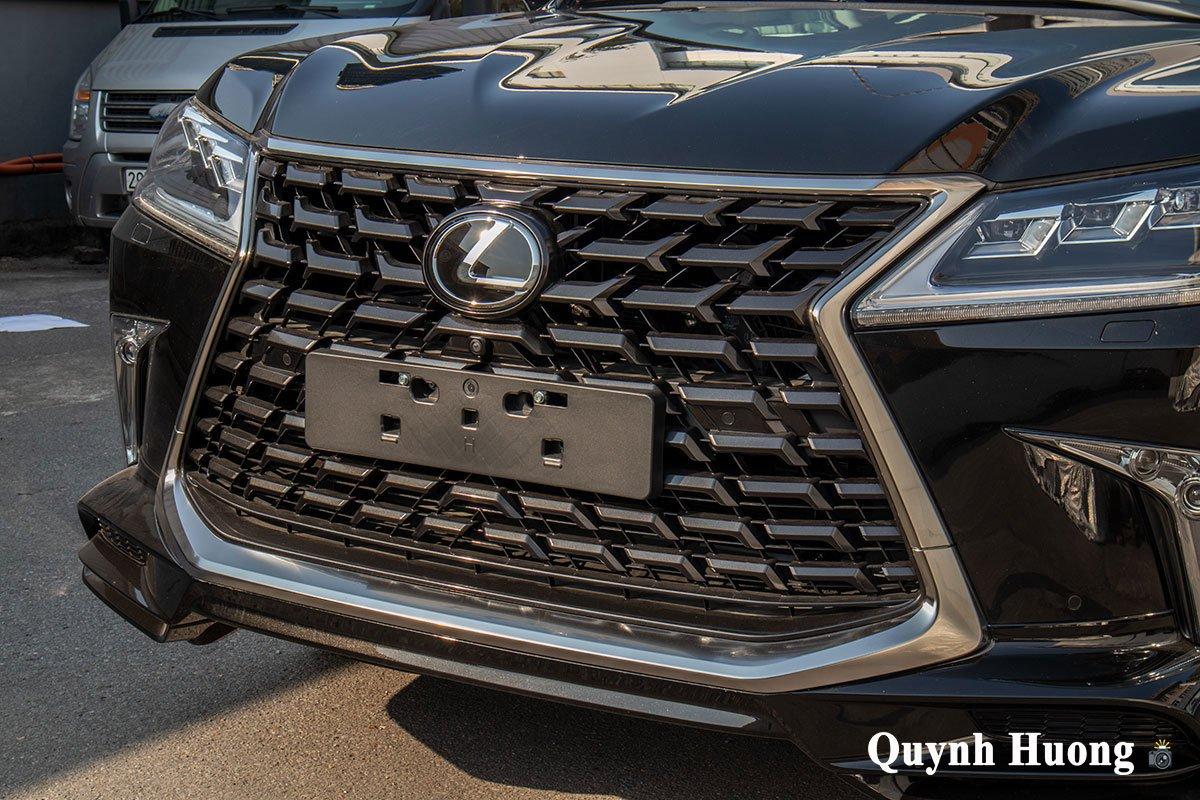 Lexus LX570 Super Sport 2021 đầu tiên cập bến Việt Nam với ngoại hình mới a2