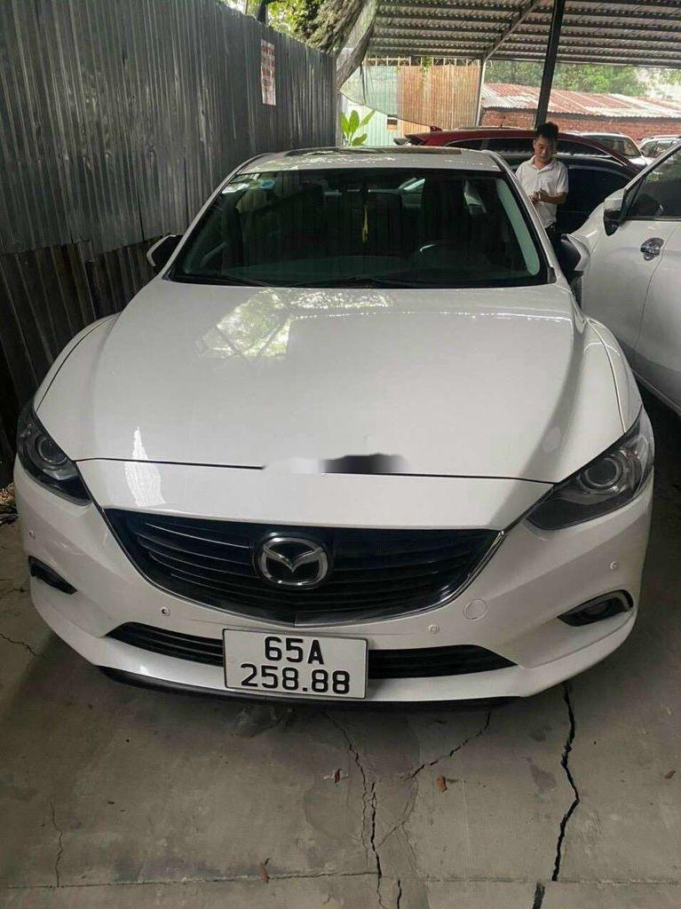 Cần bán gấp Mazda 6 sản xuất năm 2016, màu trắng, xe nhập, giá 550tr (1)