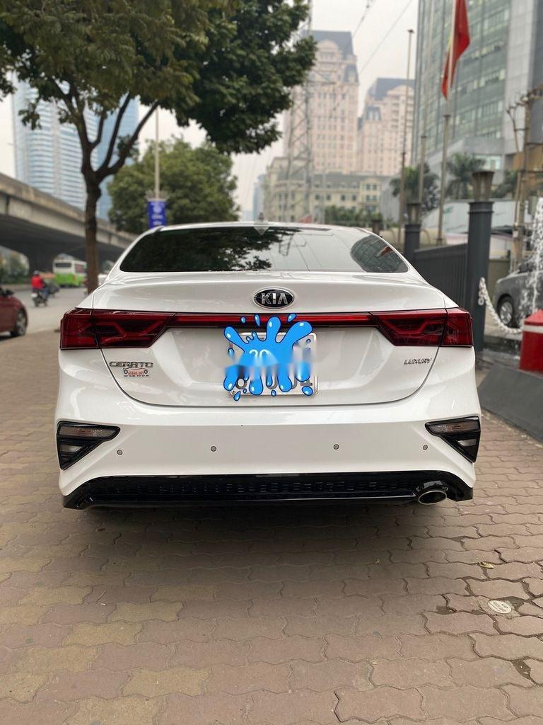 Bán Kia Cerato sản xuất năm 2019, màu trắng, giá chỉ 625 triệu (4)