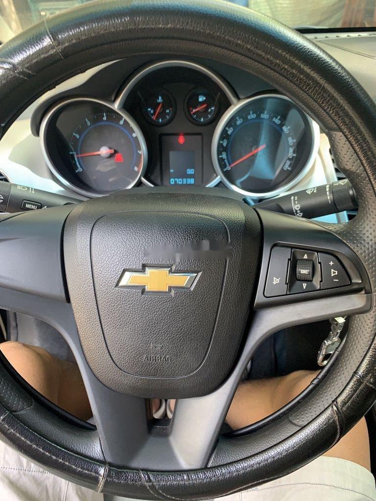 Bán Chevrolet Cruze 2014, màu đen ít sử dụng (3)