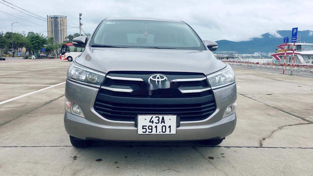 Cần bán lại xe Toyota Innova sản xuất năm 2017 còn mới, giá chỉ 565 triệu (1)