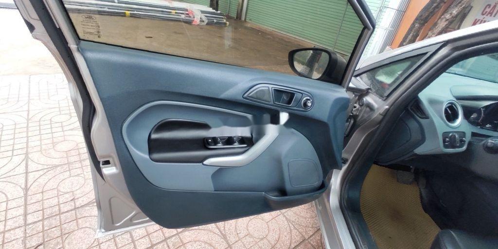 Xe Ford Fiesta năm sản xuất 2012, nhập khẩu nguyên chiếc (9)