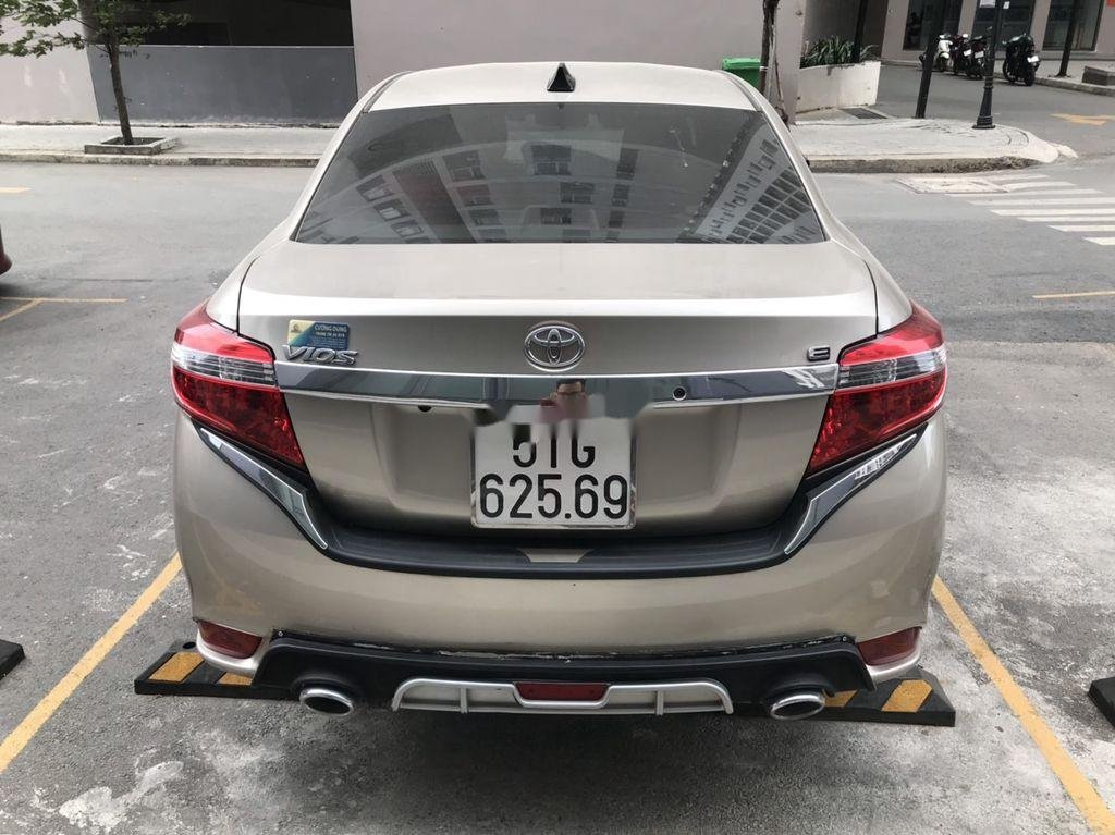 Cần bán Toyota Vios sản xuất 2018, giá  thấp (4)