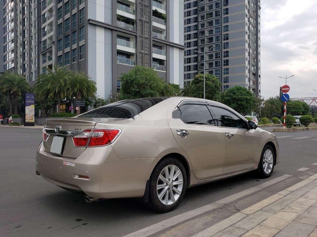 Cần bán lại xe Toyota Camry sản xuất 2014 chính chủ, 700 triệu (3)