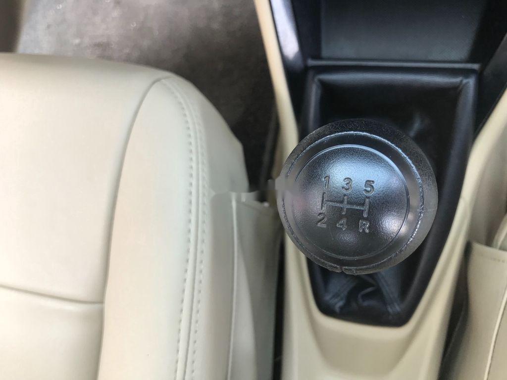 Bán xe Toyota Vios năm 2017 còn mới, giá 388tr (9)