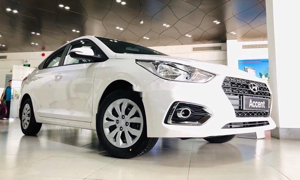 Bán Hyundai Accent sản xuất năm 2020, màu trắng (1)