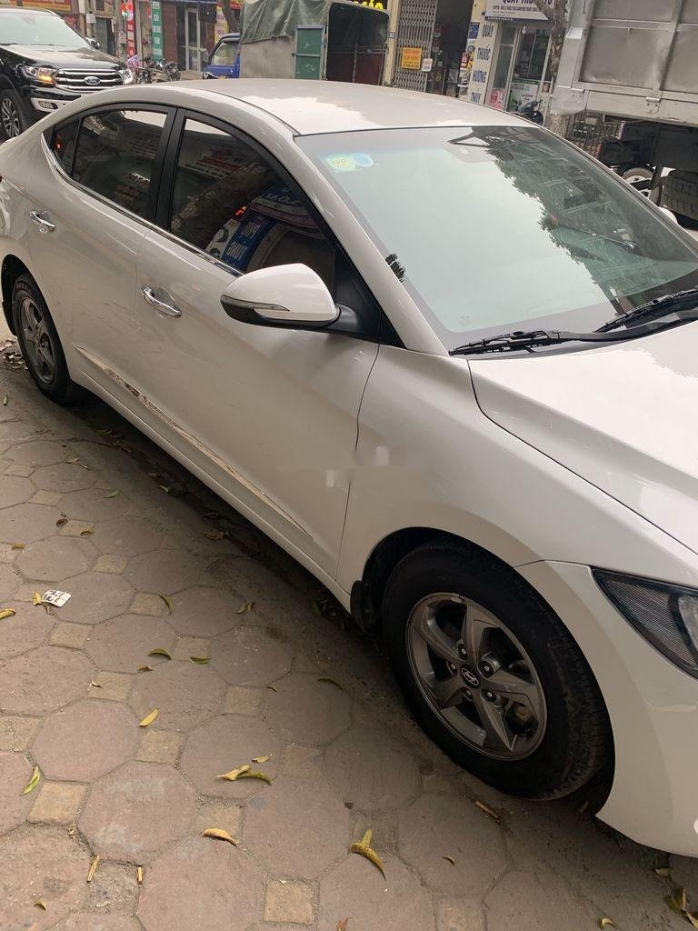 Bán Hyundai Elantra năm 2017, xe giá thấp, động cơ ổn định  (6)