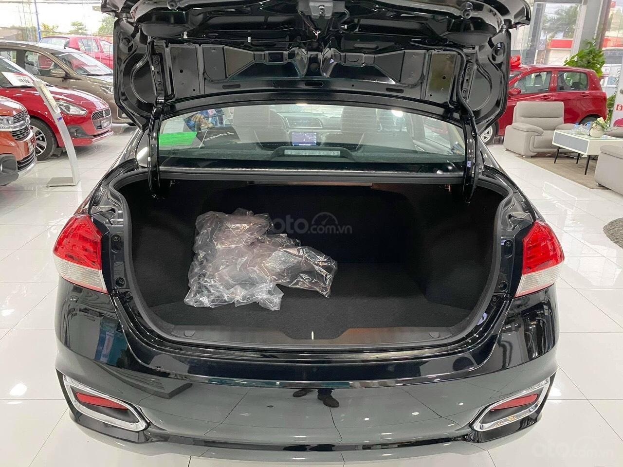 Suzuki Ciaz 2021 giá tốt nhất miền Nam - ưu đãi tiền mặt 35tr - Hỗ trợ giảm 50% thuế trước bạ (11)