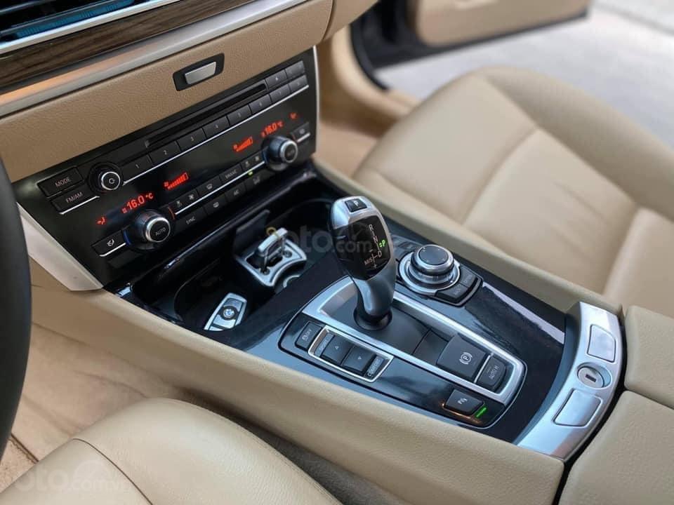 Cần bán lại xe BMW 5 Series sản xuất năm 2016, màu xanh lam (7)