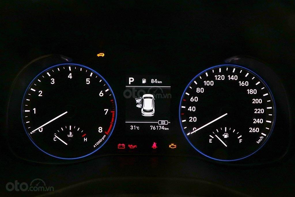 Bán nhanh chiếc Hyundai Kona 1.6AT Turbo 2018 (12)