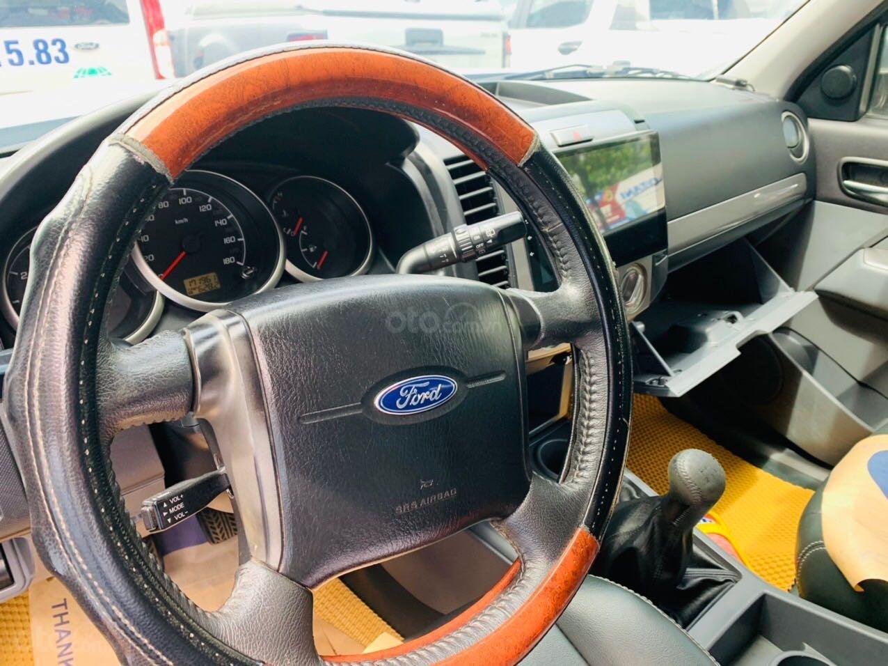 Bán Ford Everest đăng ký lần đầu 2013, màu bạc xe gia đình giá 515 triệu đồng (7)