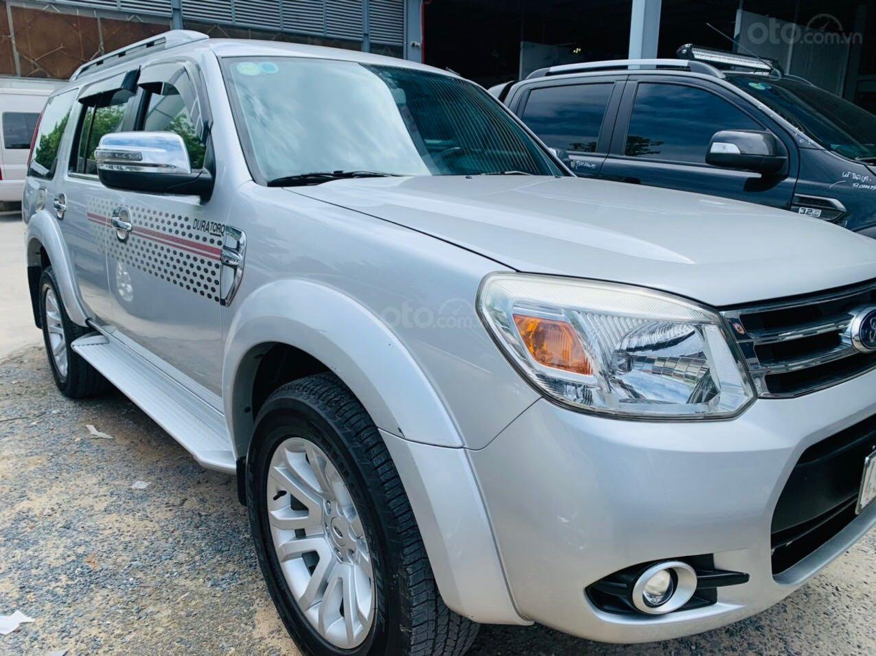 Bán Ford Everest đăng ký lần đầu 2013, màu bạc xe gia đình giá 515 triệu đồng (1)