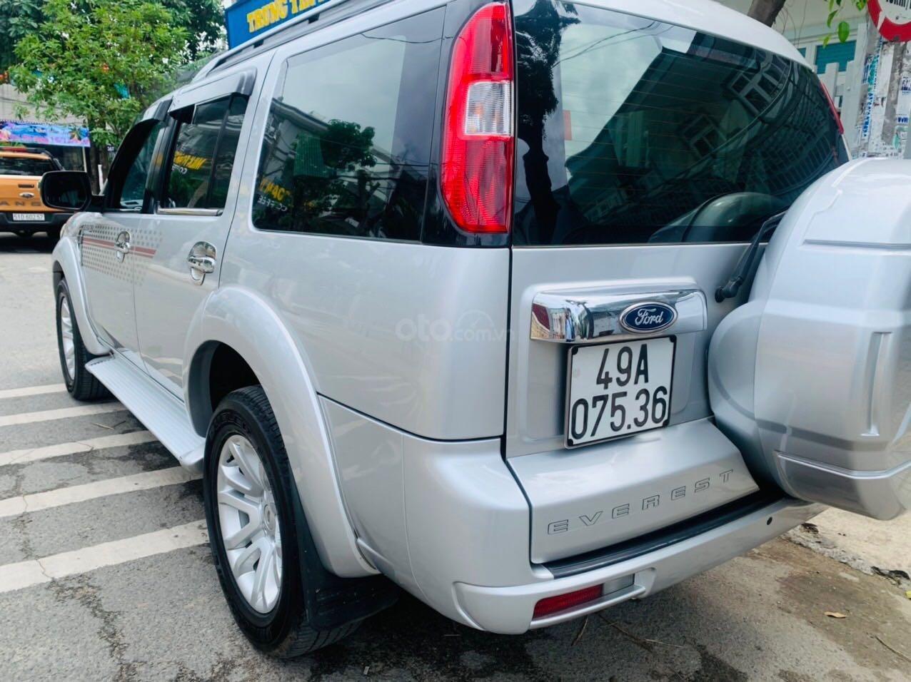 Bán Ford Everest đăng ký lần đầu 2013, màu bạc xe gia đình giá 515 triệu đồng (3)