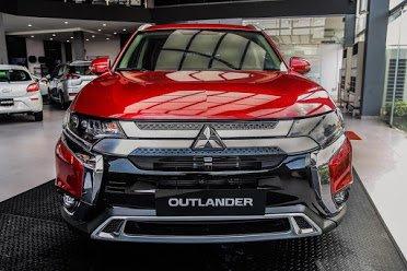 Outlander 2020 – Hỗ trợ 50% thuế, giảm ngay tiền mặt và phụ kiện, lượng xe có hạn giao ngay (1)