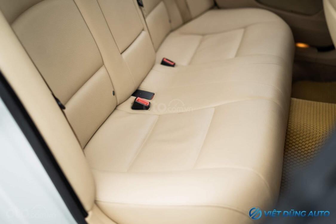 BMW 520i màu trắng nội thất kem hiếm có khó tìm sx 2014 số tự động (5)