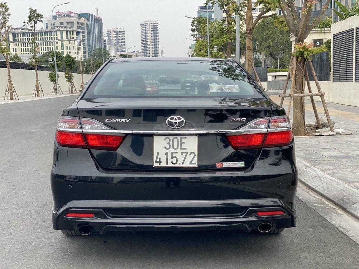 Bán nhanh Toyota Camry 2.5Q 2017 xe đẹp mới long lanh (4)