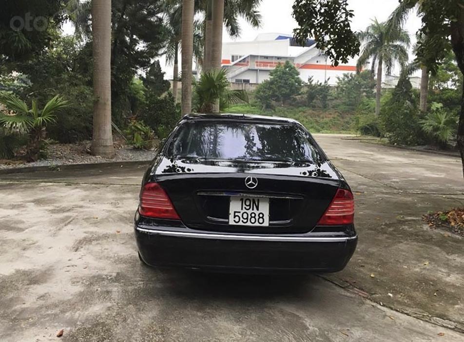 Cần bán Mercedes S class sản xuất năm 2004, màu đen, xe nhập còn mới, giá chỉ 520 triệu (3)