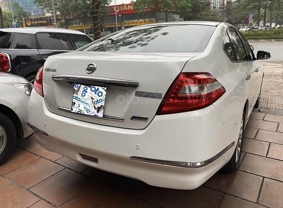 Bán Nissan Teana năm sản xuất 2009, màu trắng, nhập khẩu nguyên chiếc còn mới, giá chỉ 385 triệu (3)