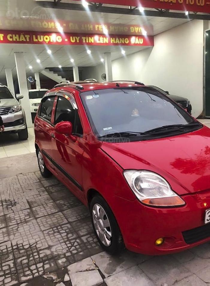 Xe Chevrolet Spark năm sản xuất 2010, màu đỏ còn mới (2)