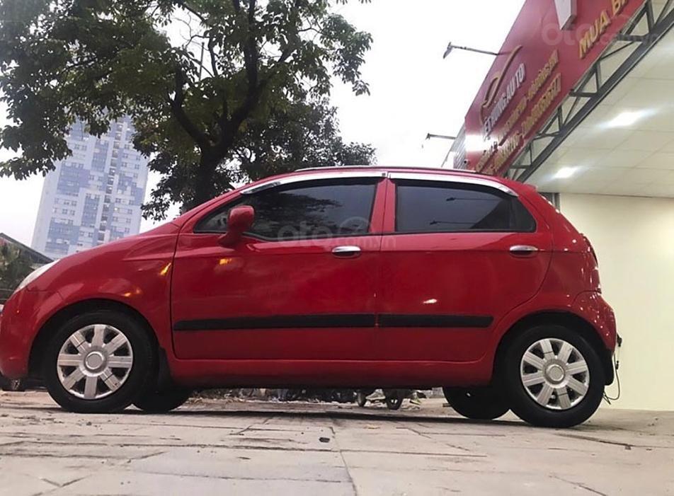 Xe Chevrolet Spark năm sản xuất 2010, màu đỏ còn mới (1)