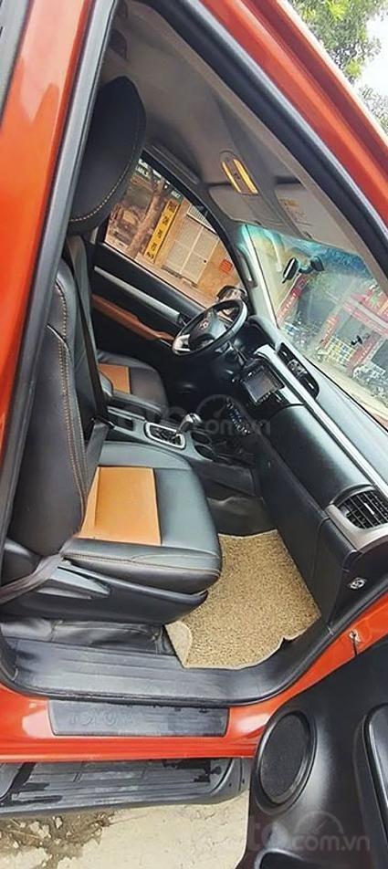 Cần bán Toyota Hilux sản xuất năm 2016, màu đỏ, nhập khẩu nguyên chiếc giá cạnh tranh (6)