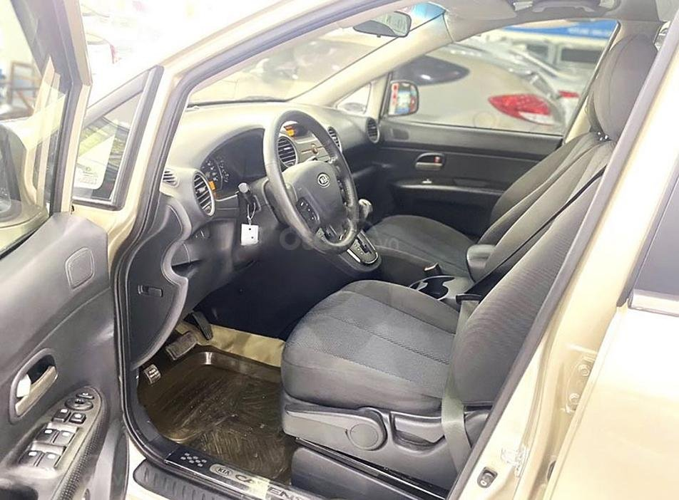 Cần bán gấp Kia Carens sản xuất 2011, màu vàng (5)