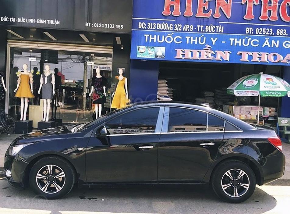Cần bán Chevrolet Cruze LS 1.6 MT năm 2010, màu đen (1)