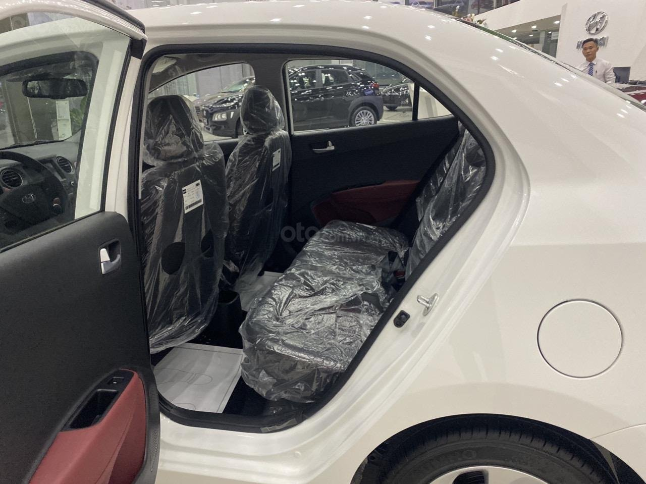 Cần bán xe Hyundai Grand i10 sedan xe có sẵn (5)