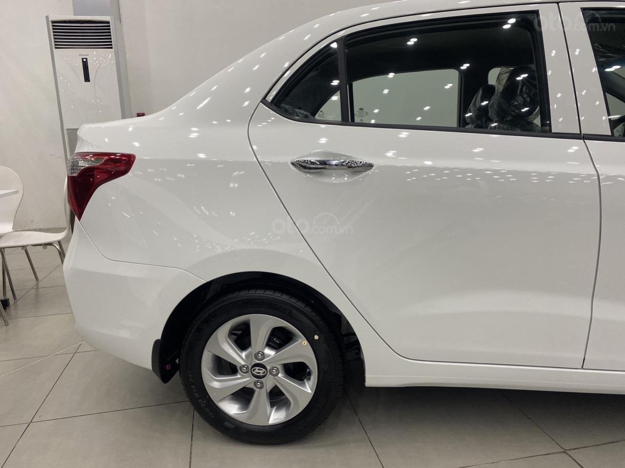 Cần bán xe Hyundai Grand i10 sedan xe có sẵn (4)