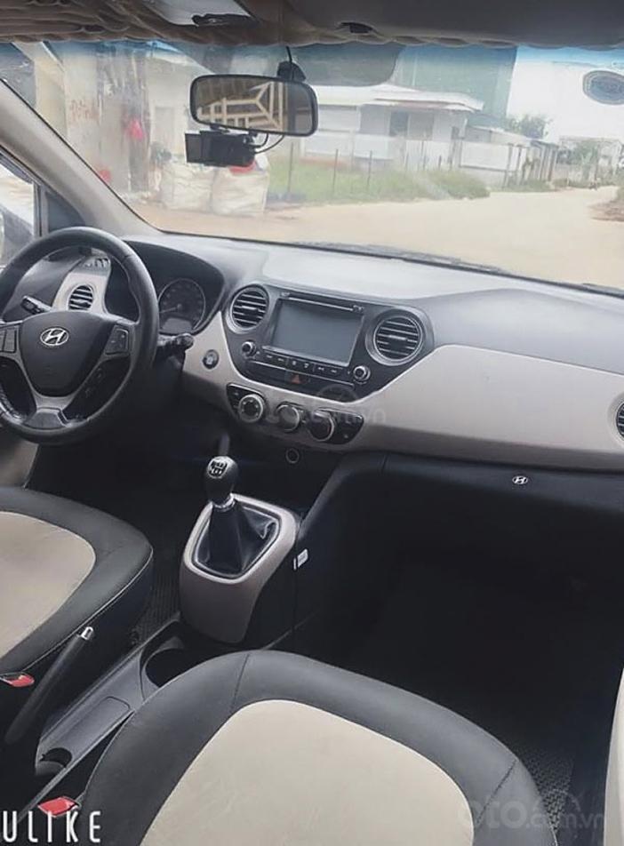 Bán ô tô Hyundai Grand i10 sản xuất 2016, màu bạc (4)