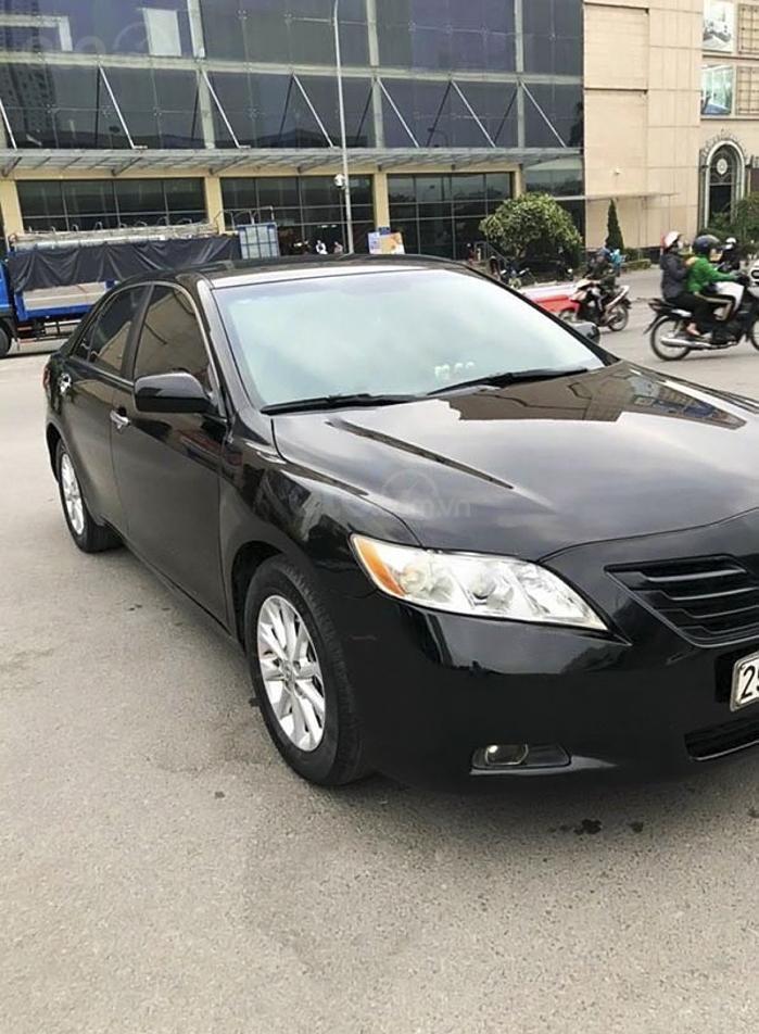 Cần bán gấp Toyota Camry LE năm sản xuất 2008, màu đen, nhập khẩu (3)