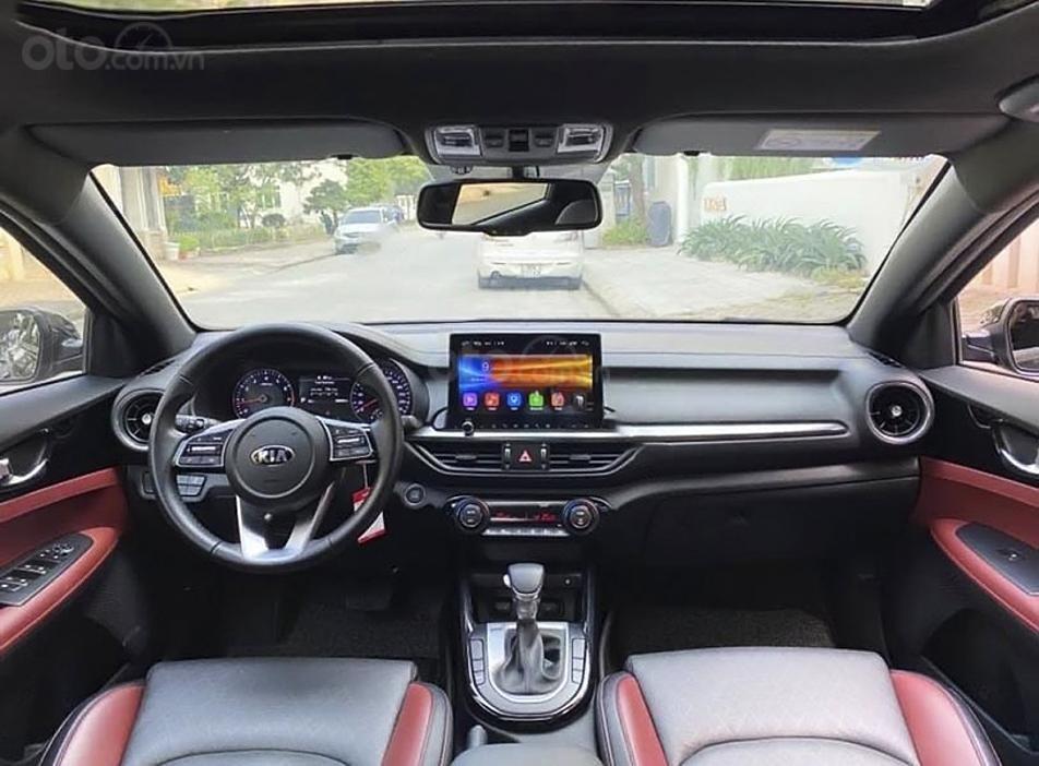 Cần bán gấp Kia Cerato 2.0 AT Premium sản xuất 2019, màu đen (2)