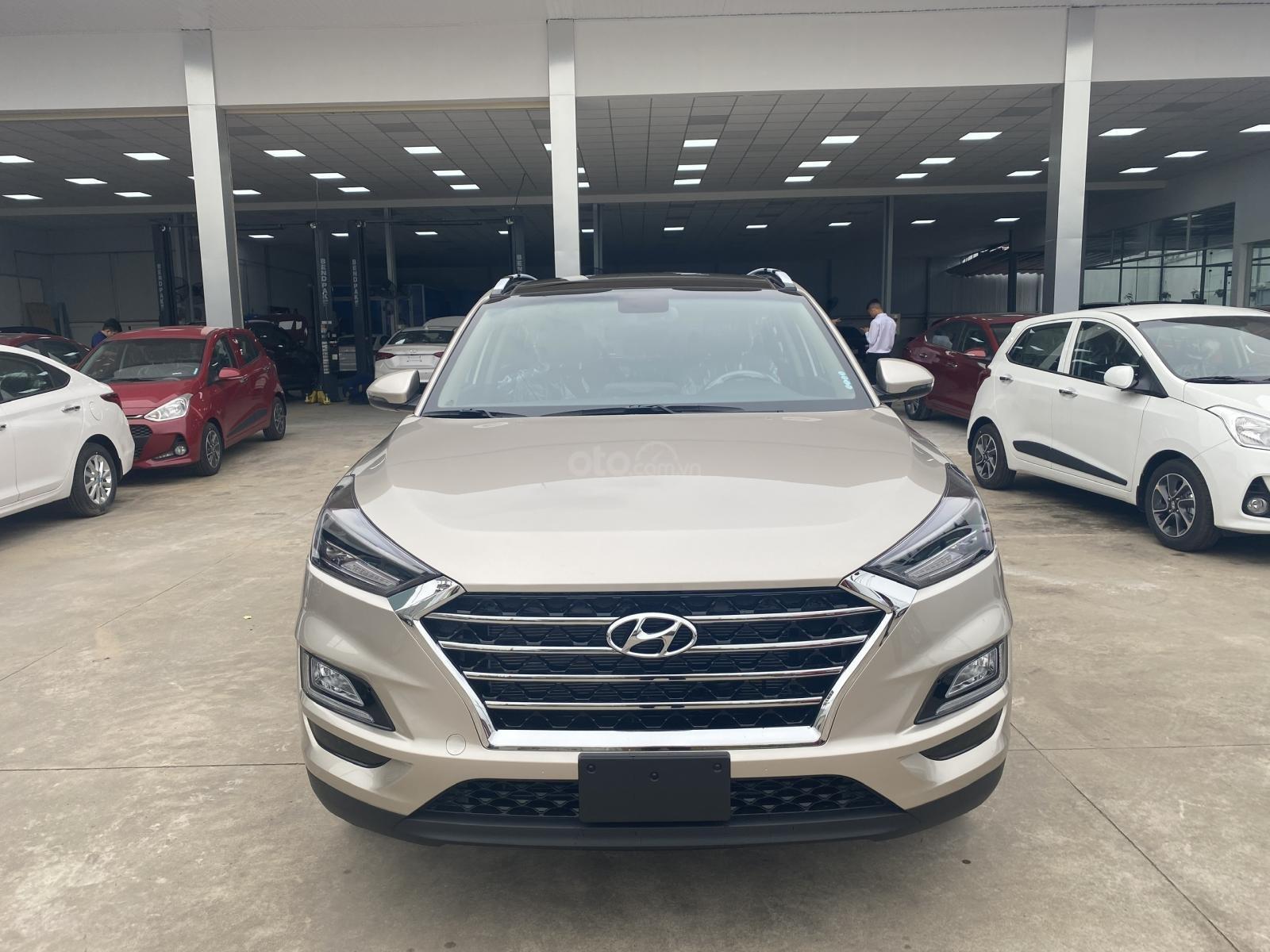 Hyundai Tucson 2020 - khuyến mãi lớn nhất năm - tư vấn nhiệt tình - đủ màu lấy ngay, giá tốt nhất miền Nam (2)