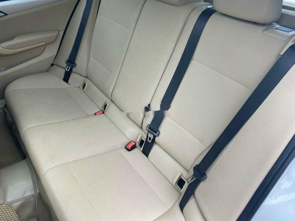 Bán BMW X1 2010, màu trắng, nhập khẩu còn mới (10)