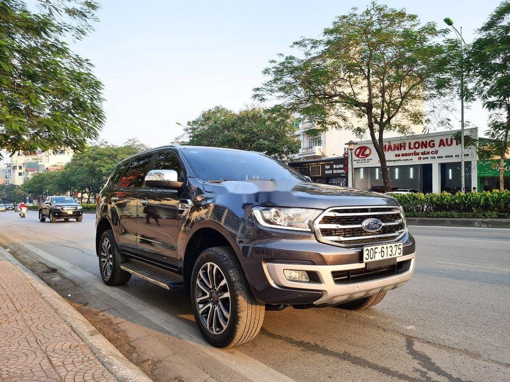 Cần bán xe Ford Everest 2.0 Titanium năm sản xuất 2018 (2)