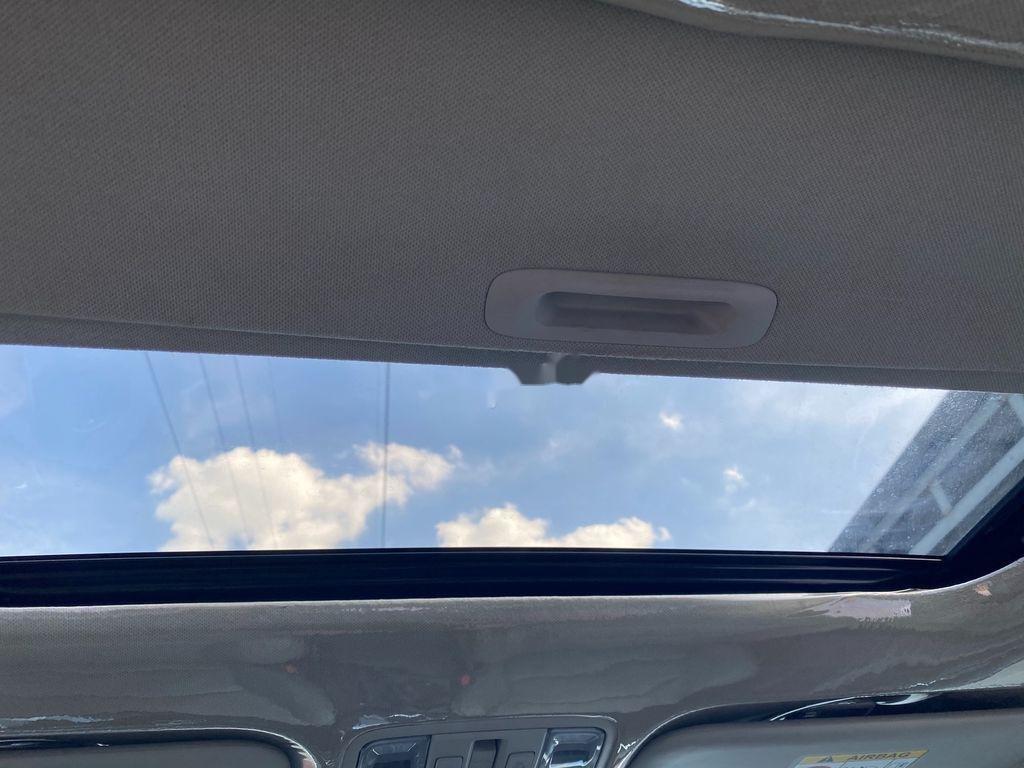 Cần bán lại xe Kia Cerato sản xuất 2019, màu trắng chính chủ, giá 612tr (9)