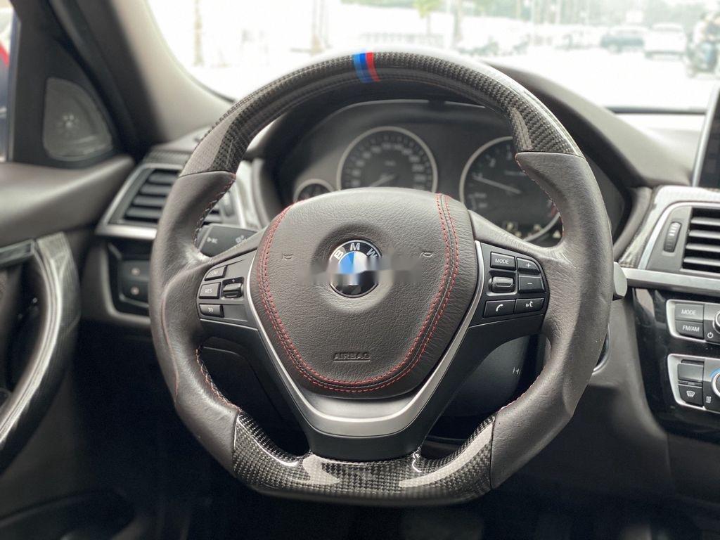 Cần bán xe BMW 3 Series 320i sản xuất năm 2017 (11)