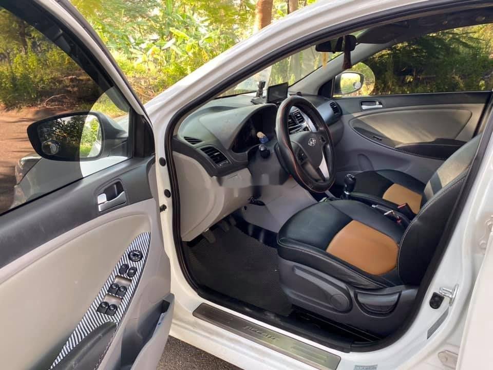 Bán Hyundai Accent sản xuất 2015, nhập khẩu nguyên chiếc (10)
