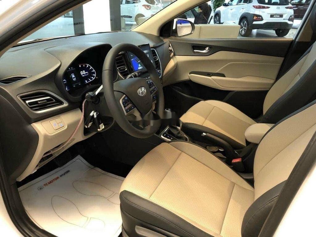 Cần bán Hyundai Accent 2021, xe nhập, giá ưu đãi (8)