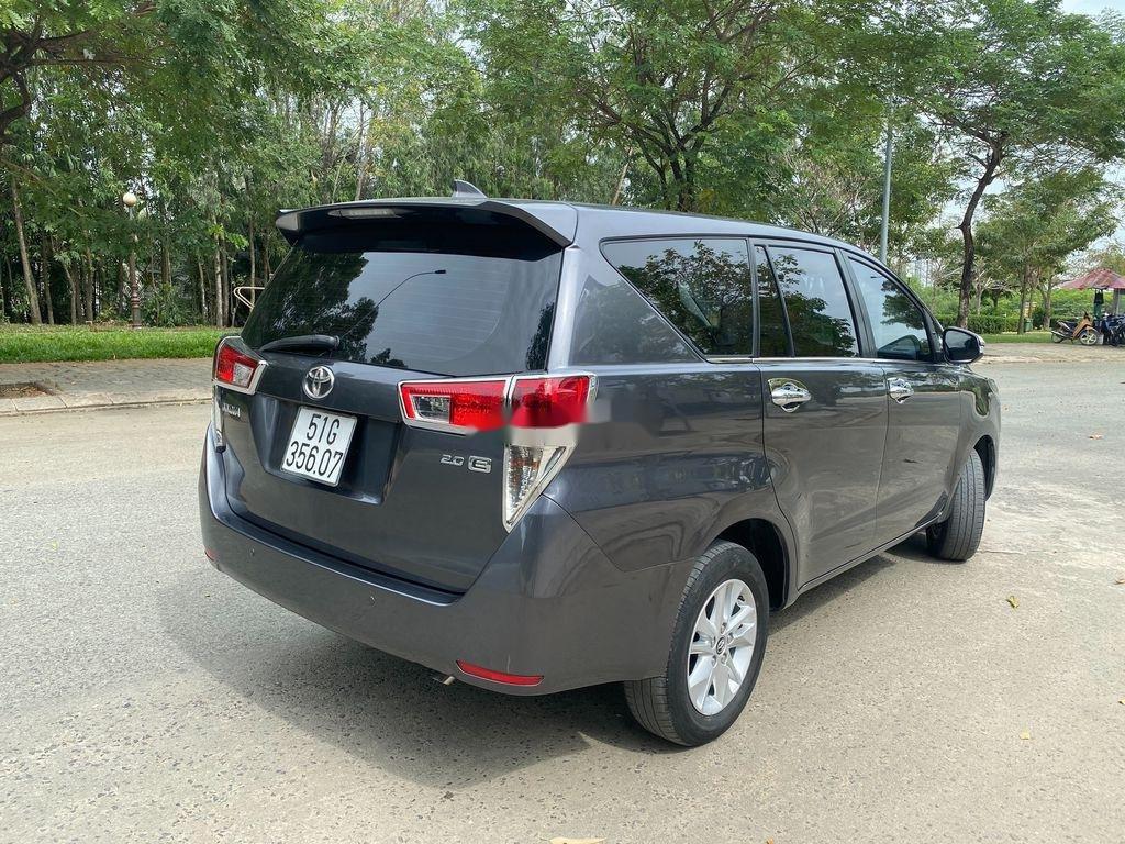 Cần bán gấp Toyota Innova sản xuất 2017 còn mới (7)