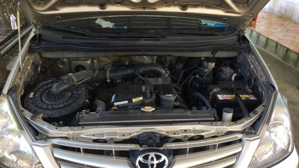 Bán Toyota Innova sản xuất năm 2009 còn mới (9)