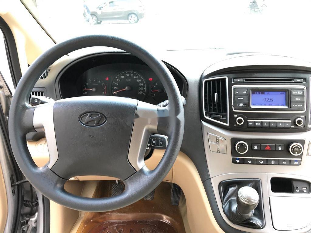 Bán xe Hyundai Starex sản xuất 2016, xe chính chủ giá thấp (7)