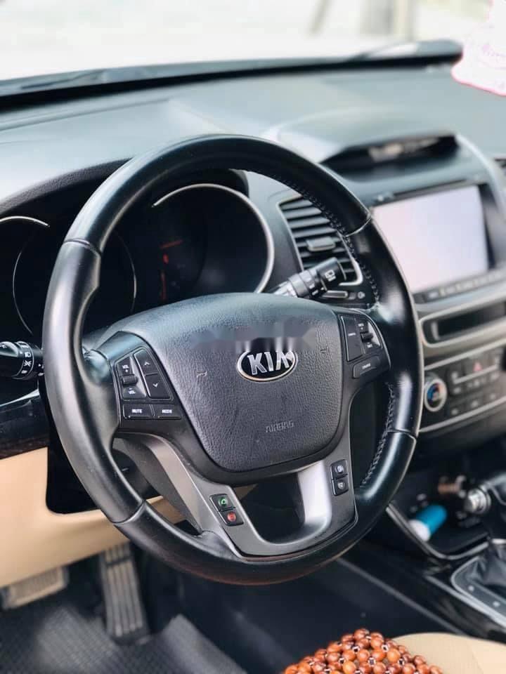 Cần bán Kia Sorento năm 2016, xe còn mới giá ưu đãi (8)