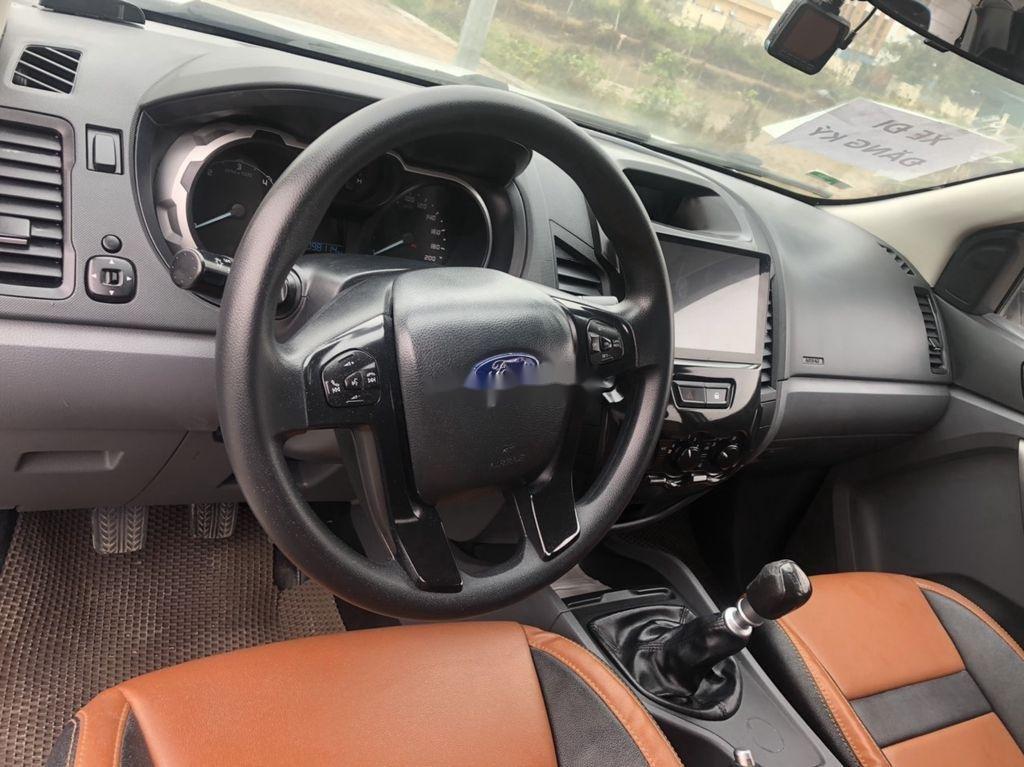 Cần bán xe Ford Ranger sản xuất 2015, xe chính chủ giá ưu đãi (6)