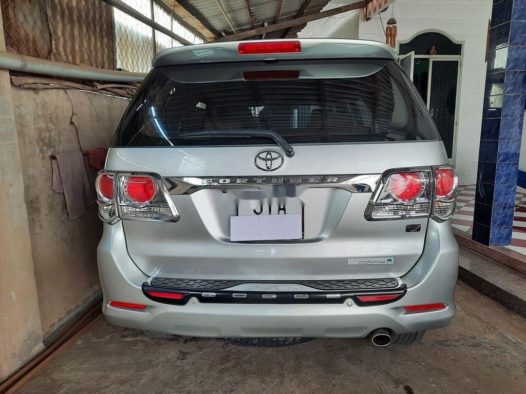 Cần bán gấp Toyota Fortuner năm 2013 còn mới, 575 triệu (1)