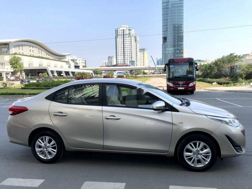 Cần bán xe Toyota Vios sản xuất 2019, giá mềm (1)